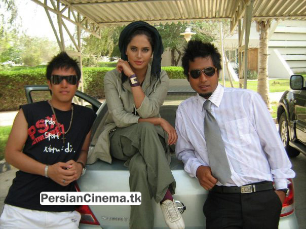 http://perscnema1.persiangig.com/image/zanan/%D8%A7%D9%84%D9%86%D8%A7%D8%B2%20%D8%B4%D8%A7%D9%83%D8%B1%D8%AF%D9%88%D8%B3%D8%AA/s01zxb30xxew8z2x3w9.jpg